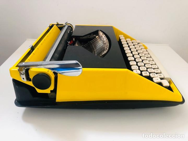 Antigüedades: Remington Riviera 1969 Typewriter - Foto 8 - 193714686