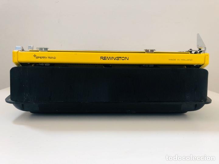 Antigüedades: Remington Riviera 1969 Typewriter - Foto 9 - 193714686