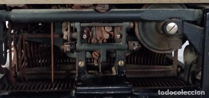 Antigüedades: MAQUINA ESCRIBIR UNDERWOOD CARRO ANCHO (MADE IN USA) 1900 - Foto 12 - 193715306