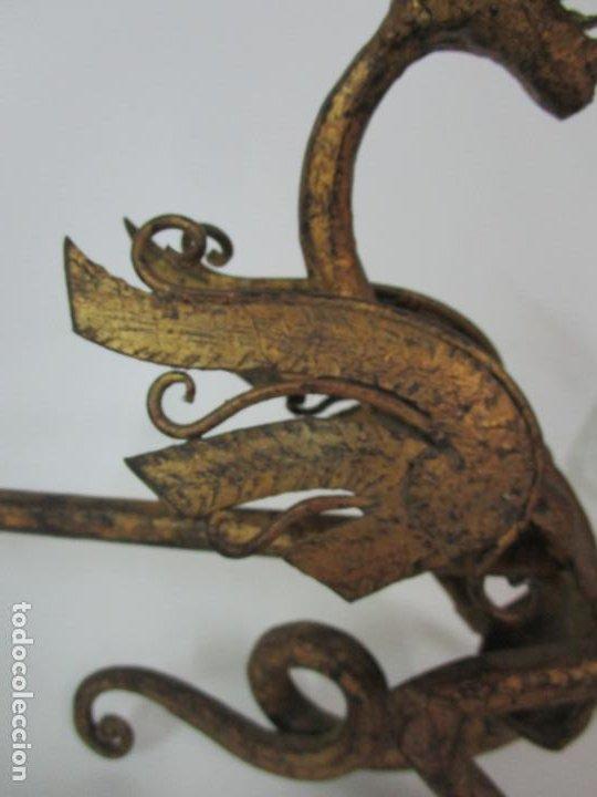 Antigüedades: Preciosa Pareja de Morillos - Dragones - Hierro Forjado y Dorado - Principios S. XX - Foto 8 - 193937798
