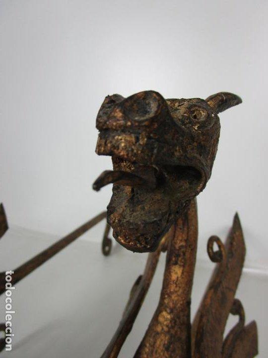 Antigüedades: Preciosa Pareja de Morillos - Dragones - Hierro Forjado y Dorado - Principios S. XX - Foto 16 - 193937798