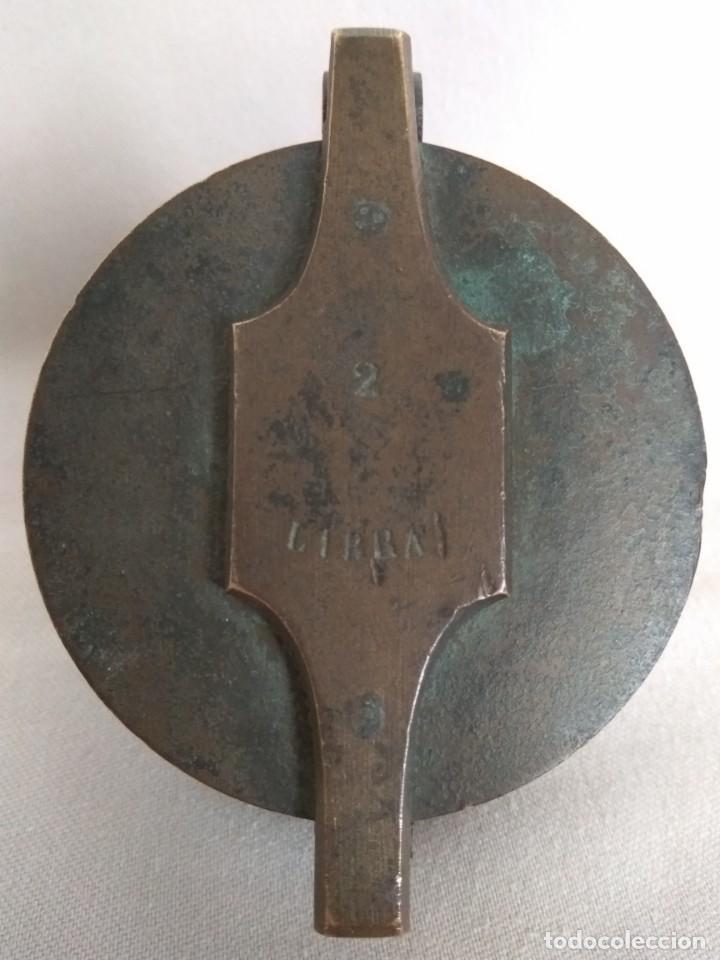 Antigüedades: PONDERAL DE VASOS ANIDADOS DE 2 LIBRAS, SIGLO XIX - Foto 2 - 193946192