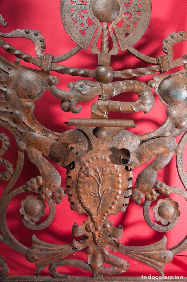 Antigüedades: EXTRAORDINARIA PIEZA DE MUSEO - PUERTA EN HIERRO FORJADO, CIRCA 1800 - Foto 3 - 194007891