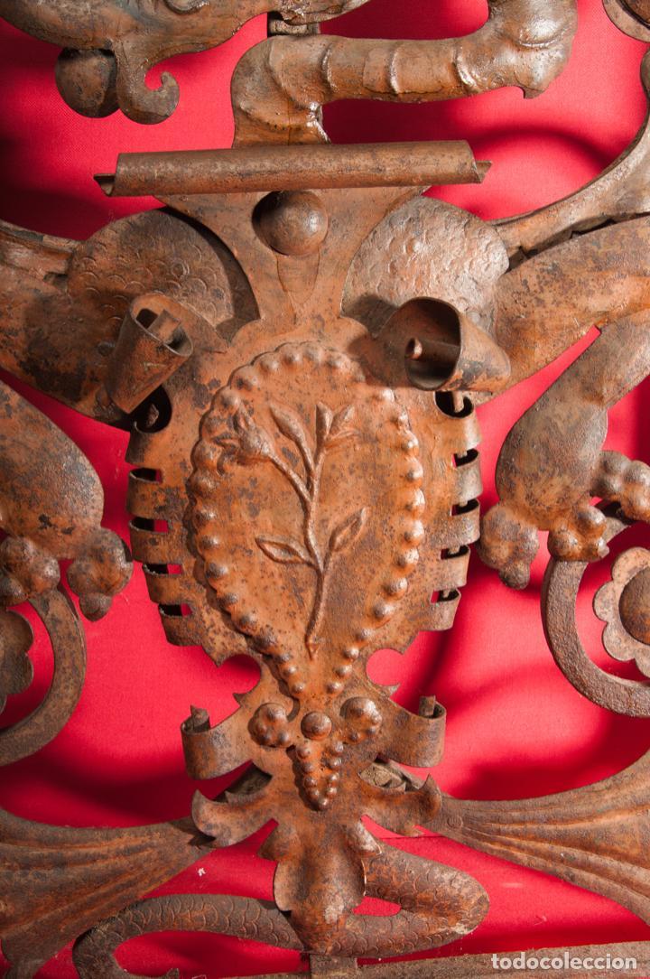 Antigüedades: EXTRAORDINARIA PIEZA DE MUSEO - PUERTA EN HIERRO FORJADO, CIRCA 1800 - Foto 5 - 194007891