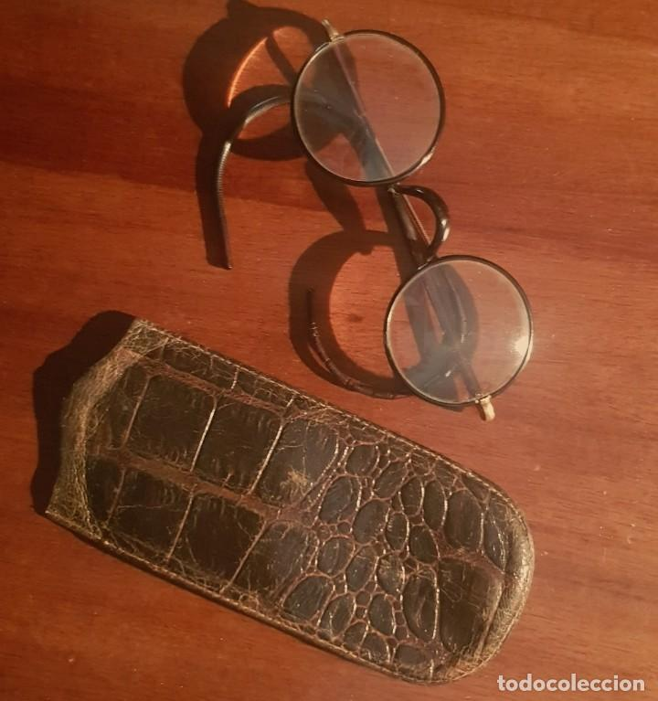 ANTIGUAS GAFAS CRISTALES REDONDOS Y FUNDA COCODRILO (Antigüedades - Técnicas - Instrumentos Ópticos - Gafas Antiguas)