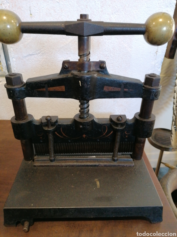 GUILLOTINA DE PAPEL (Antigüedades - Técnicas - Herramientas Profesionales - Imprenta)