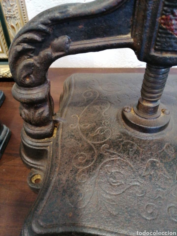 Antigüedades: Preciosa prensa de libros - Foto 2 - 194109585