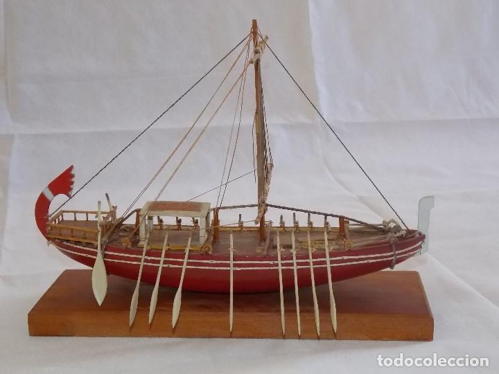 MAQUETA BARCO REMOS VIKINGO EN MADERA (Antigüedades - Antigüedades Técnicas - Marinas y Navales)