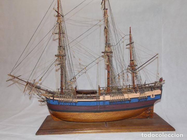 MAQUETA BARCO NAVIO GALEON MILITAR EN MADERA (Antigüedades - Antigüedades Técnicas - Marinas y Navales)