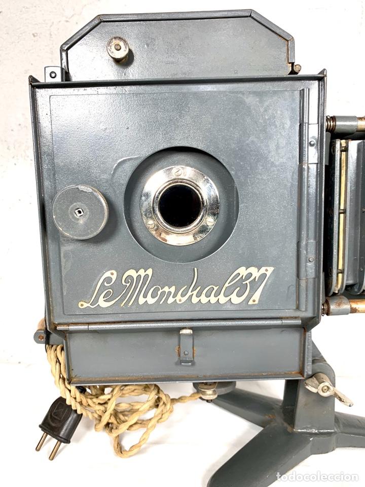 Antigüedades: Raro y antiguo proyector linterna mágica francés Le Mondial 37 - epidiascopio opacos - Foto 3 - 194152198