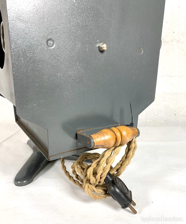 Antigüedades: Raro y antiguo proyector linterna mágica francés Le Mondial 37 - epidiascopio opacos - Foto 13 - 194152198