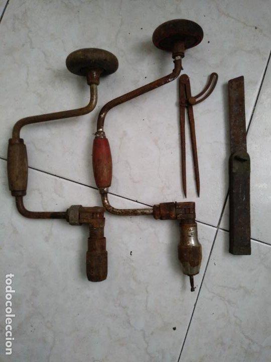 LOTE HERRAMIENTAS ANTIGUAS BERBIQUI TALADRADORA MANUAL MEDIDOR ÁNGULOS TRANSPORTADOR ETC (Antigüedades - Técnicas - Herramientas Profesionales - Albañileria)