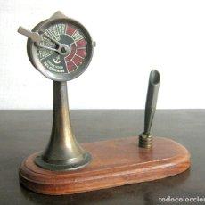 Antigüedades: BELLA ESCRIBANIA CON TELEGRAFO DE ORDENES DE BARCO. Lote 194159567