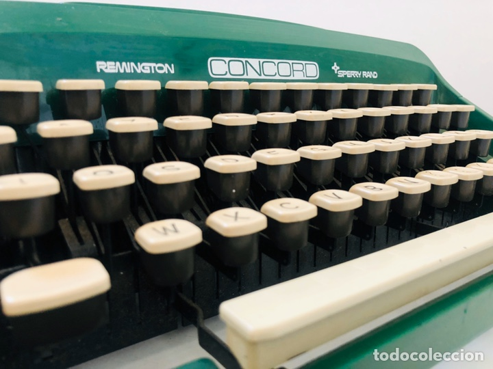 Antigüedades: Remington Concord 1969 Typewriter - Foto 13 - 194203337