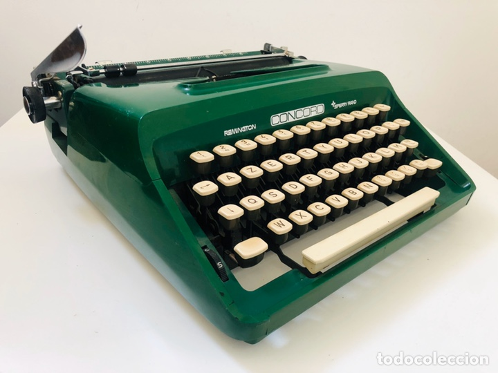 Antigüedades: Remington Concord 1969 Typewriter - Foto 1 - 194203337