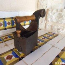 Antigüedades: ANTIGUA PLANCHA DE CARBON UNION CERRAJERA MONDRAGON,Nº6,MAGNIFICO ESTADO,ORIGINAL.. Lote 194221375