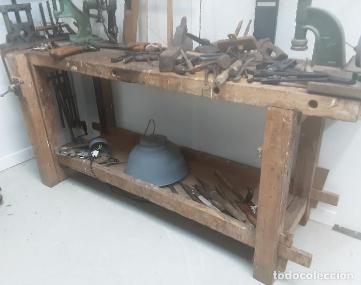 Antigüedades: Banco de trabajo para carpintero, ebanista. Años 60. Magnífico complemento de taller. - Foto 8 - 194265052
