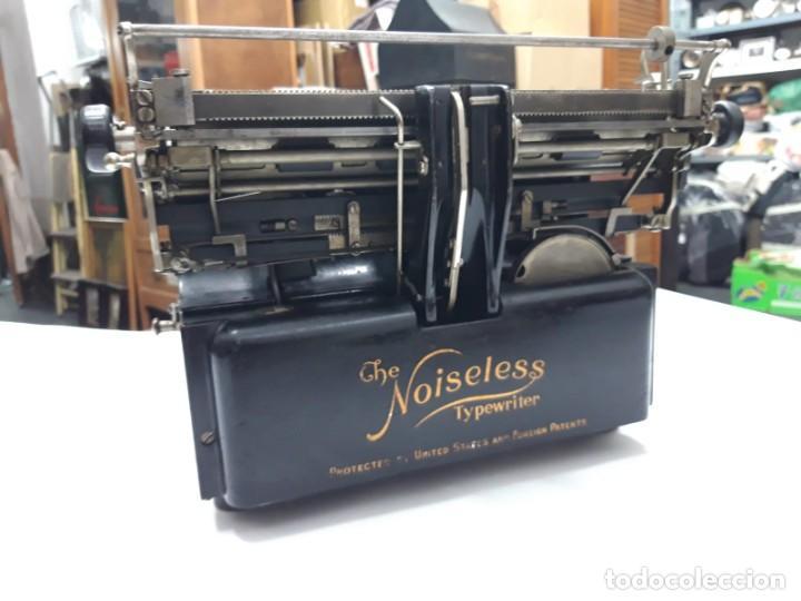 Antigüedades: Máquina de escribir. The Noiseless. U. S. A. 1.917. Funciona. - Foto 3 - 194306986