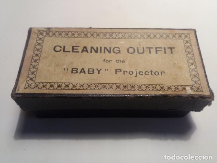 KIT LIMPIEZA PROYECTOR PATHE BABY (Antigüedades - Técnicas - Aparatos de Cine Antiguo - Proyectores Antiguos)