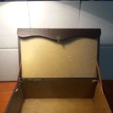 Antigüedades: CAJA ORIGINAL PROYECTOR PATHE BABY. Lote 194323921