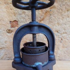 Antigüedades: ANTIGUA PRENSA LABORATORIO FARMACIA ENOLOGIA. Lote 194327956