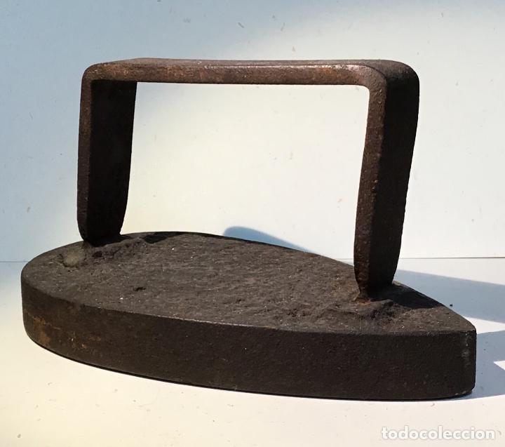 Antigüedades: ANTIGUA PLANCHA DE HIERRO - Foto 4 - 194332409