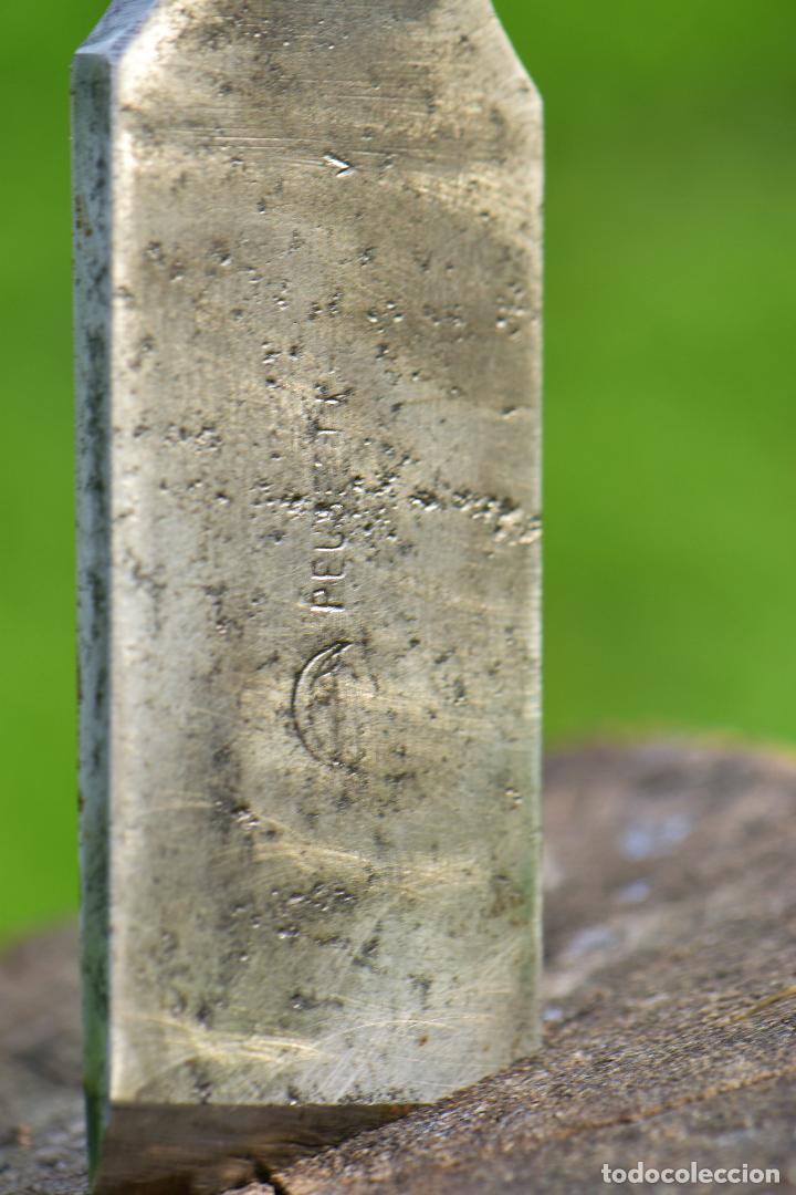 Antigüedades: FORMON PEUGEOT FRERES DE 34 MM DE CORTE Y 29 CM DE LARGO. HIERRO 13 CM AFILADO - Foto 3 - 194382582