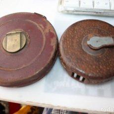 Antigüedades: CARCASAS DE CINTA METRICA UNA ES DE CUERO. Lote 194393527