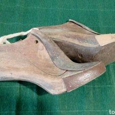 Antigüedades: HORMAS ANTIGUAS DE ZAPATERO. Lote 194512582