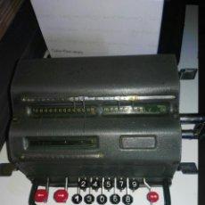Antigüedades: CALCULADORA FACIT 1940. Lote 194523997
