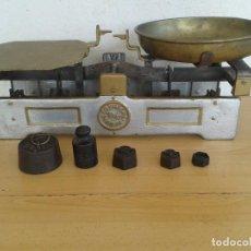 Antigüedades: BALANZA PICO PATO COOP METAL ARAD 10 KGR RESTAURADA. Lote 194537752