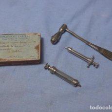Antigüedades: * LOTE DE MEDICINA ANTIGUA, SANIDAD. MEDICO O ENFERMERA. ZX. Lote 194540232