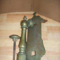 Antigüedades: ANTIGUA ALDABA DE BRONCE-37 CM. Lote 194551610