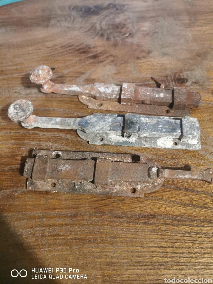 Antigüedades: Lote de pasadores de cerrojo pestillo - Foto 2 - 194572428