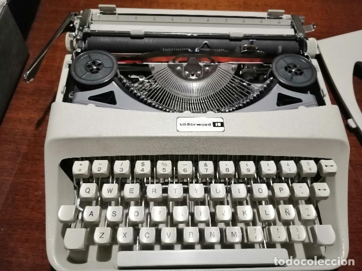Antigüedades: Máquina de escribir UNDERWOOD 18 años 60/70 con Funda - Foto 2 - 194614087