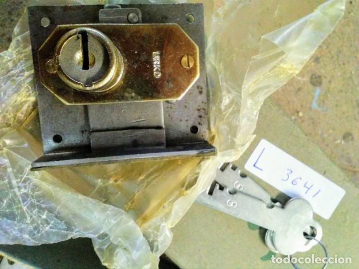 Antigüedades: Juego de 12 cerraduras urko para cajones - Foto 2 - 194663435