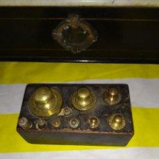 Antigüedades: ANTIGUO JUEGO DE PESAS PARA BALANZA SIGLO XIX. Lote 194674630