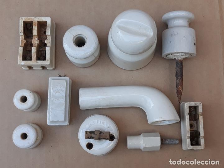 Antigüedades: LOTE DE MATERIAL ANTIGUO PARA ELECTRICIDAD EN PORCELANA.. - Foto 2 - 194710801