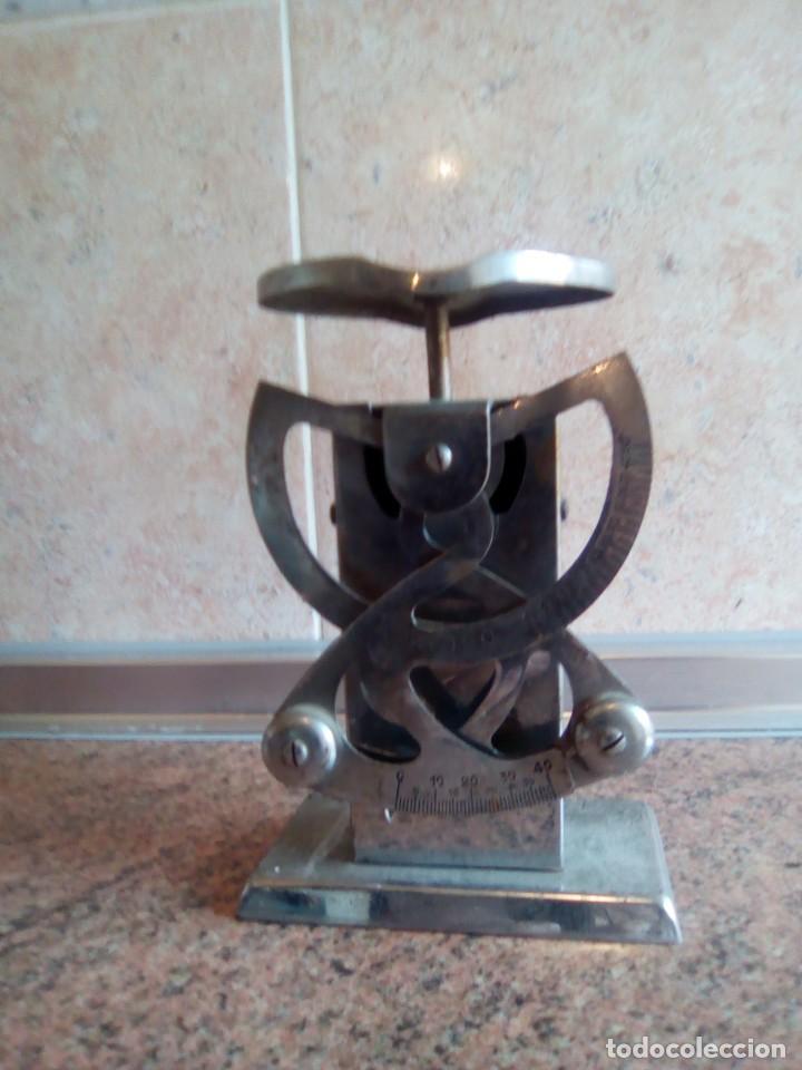 BASCULA DE PESAR CARTAS MARCA CASCO (Antigüedades - Técnicas - Medidas de Peso - Básculas Antiguas)