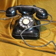 Teléfonos: TELÉFONO DE BAQUELITA, DE MESA, AÑOS 50, COMPLETO. Lote 194834125