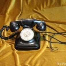 Teléfonos: TELÉFONO DE BAQUELITA, DE MESA, AÑOS 50, COMPLETO. Lote 194859206