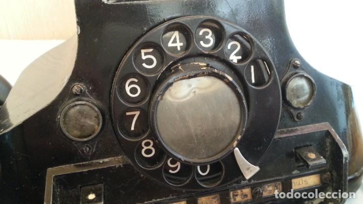 Teléfonos: Teléfono año 1952 en baquelita y metal. Centralita. Fuerte y pesado. - Foto 4 - 194862666