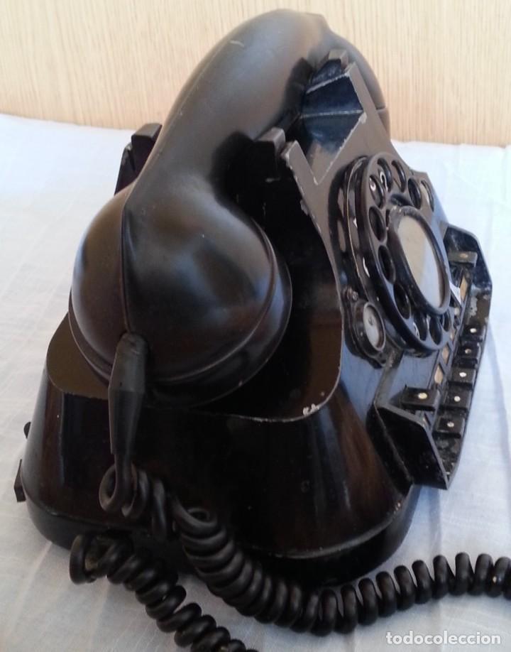 Teléfonos: Teléfono año 1952 en baquelita y metal. Centralita. Fuerte y pesado. - Foto 8 - 194862666