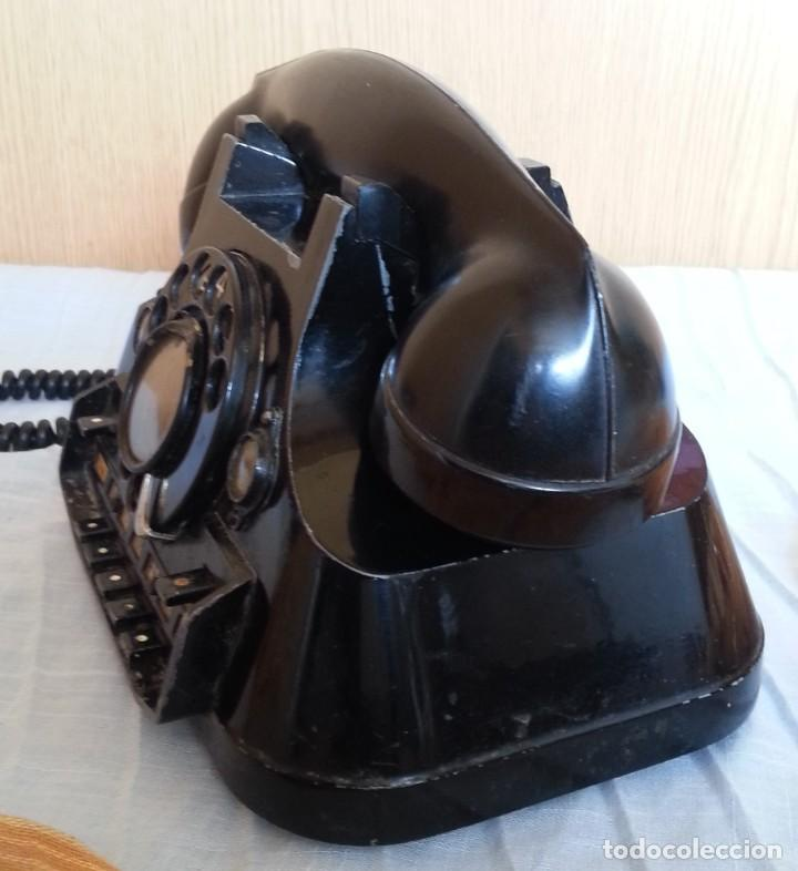 Teléfonos: Teléfono año 1952 en baquelita y metal. Centralita. Fuerte y pesado. - Foto 9 - 194862666