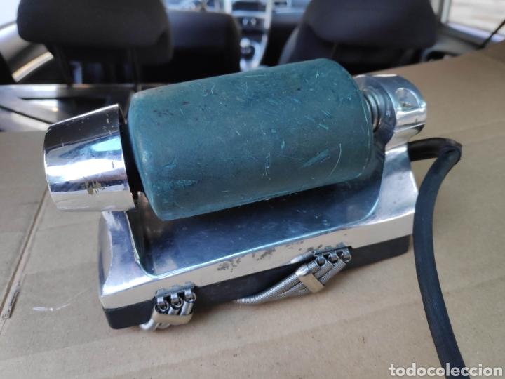 Antigüedades: Curioso aparato vintage electrico 120v usa oster imperial massager masajes 18 cm aprox bueno estado - Foto 3 - 194870306