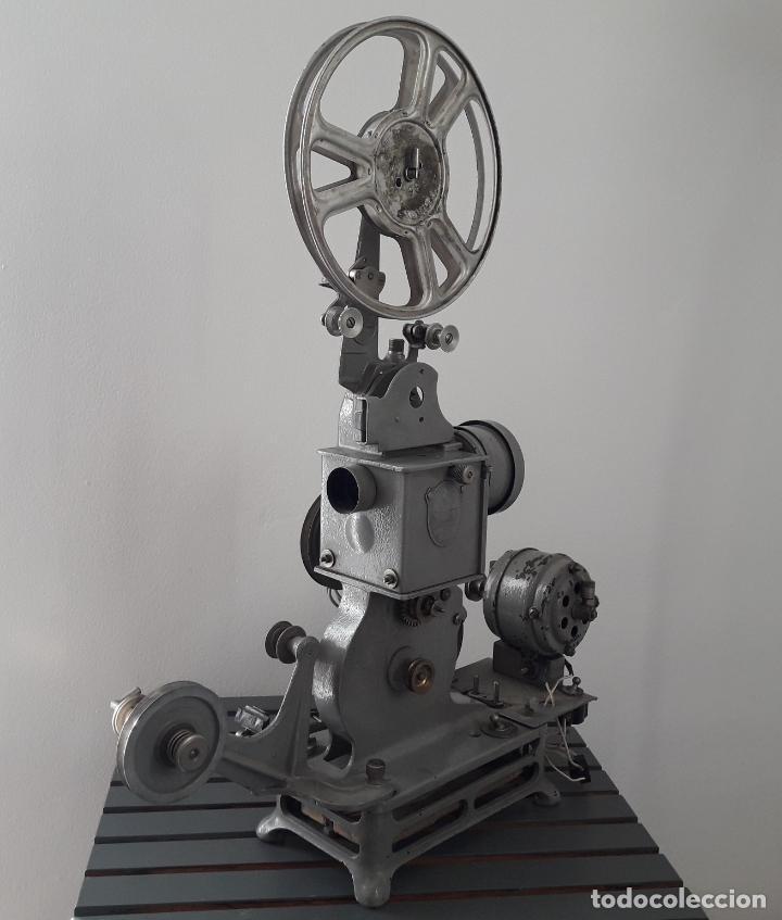 ANTIGUO PROYECTOR PATHE BABY 1920 (Antigüedades - Técnicas - Aparatos de Cine Antiguo - Proyectores Antiguos)