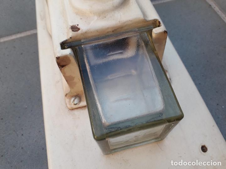 Antigüedades: antiguo molinillo de cafe de pared, de hierro pintado, 34x16cm aprox , molinillo 26cm aprox - Foto 9 - 194875603