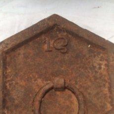 Antigüedades: GRAN PESO RARO DE 1 AROBA!ESPAÑOL!. Lote 194884655