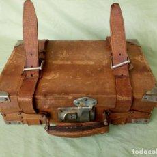 Antigüedades: MALETIN ANTIGUO DE CUERO.. Lote 194889291