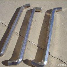 Antigüedades: TRES LLAVES ALLEN COCHE SEAT. Lote 194925695